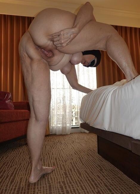 Naked older white women-3015