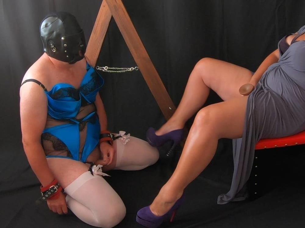 Femdom worship slave-4134