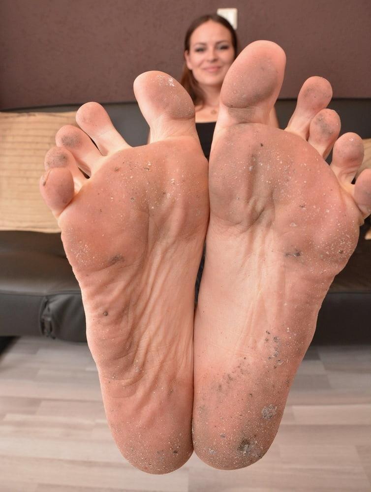 Mistress dirty feet worship-8748