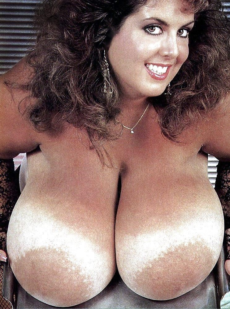 Biggest tits in the world pics-8795