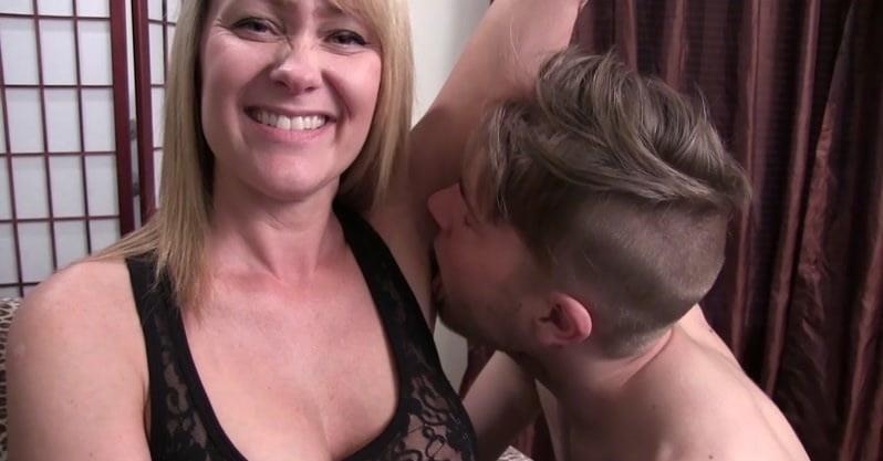 Armpit licking slave-4558