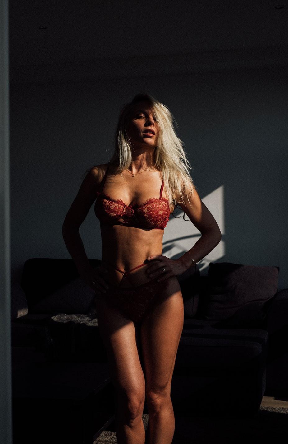 Valerie S_Fantine in sexual lingerie by Julien LRVR