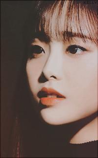 Kim Jiwoo (Chuu - Loona)  YcDUs2Au_o