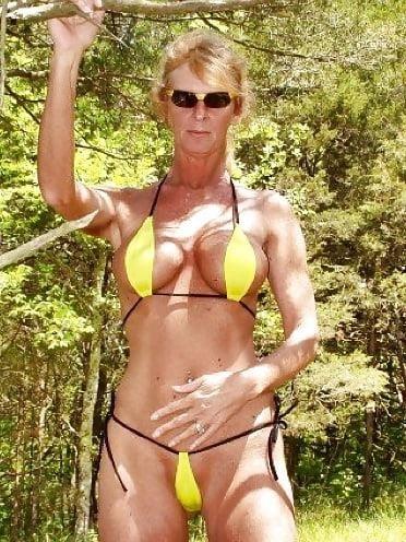 Beautiful mature women in bikinis-8584