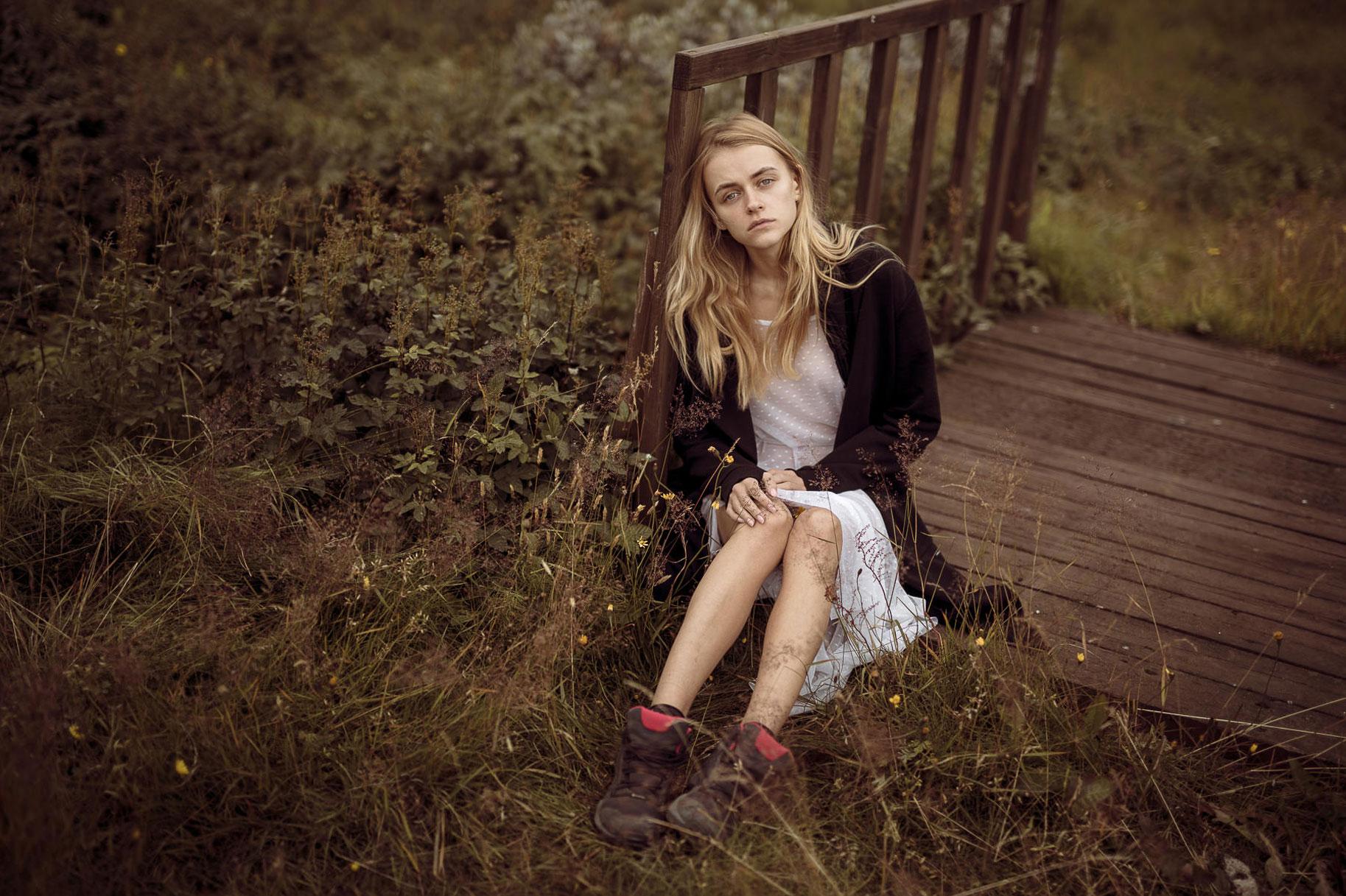 Яна Нагорняк гуляет по лесам и полям Исландии / фото 01