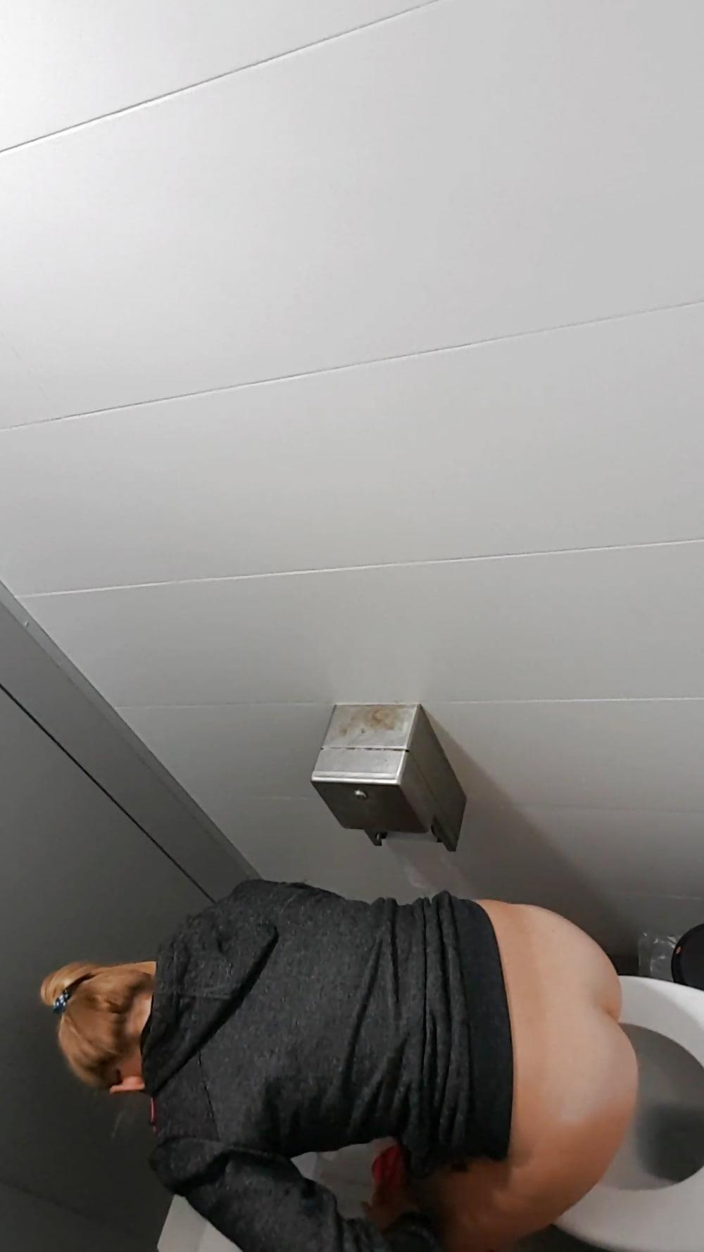 Public toilet spy cam porn-3325
