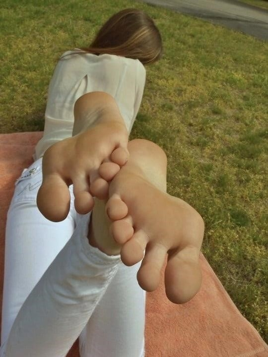 Mom foot fetish-9915