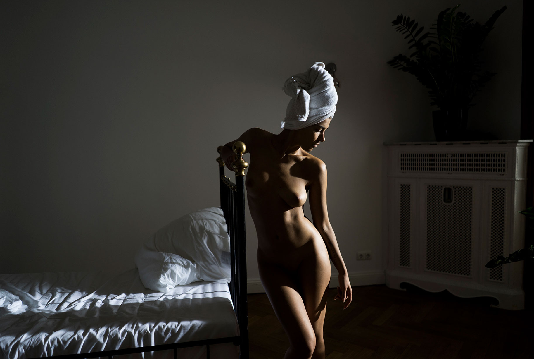 sexy nude woman by autumn sonnichsen