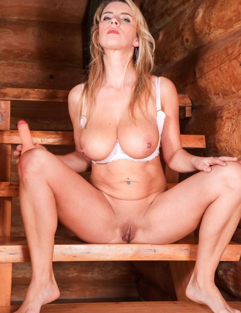 Katerina hartlova bukkake-3665