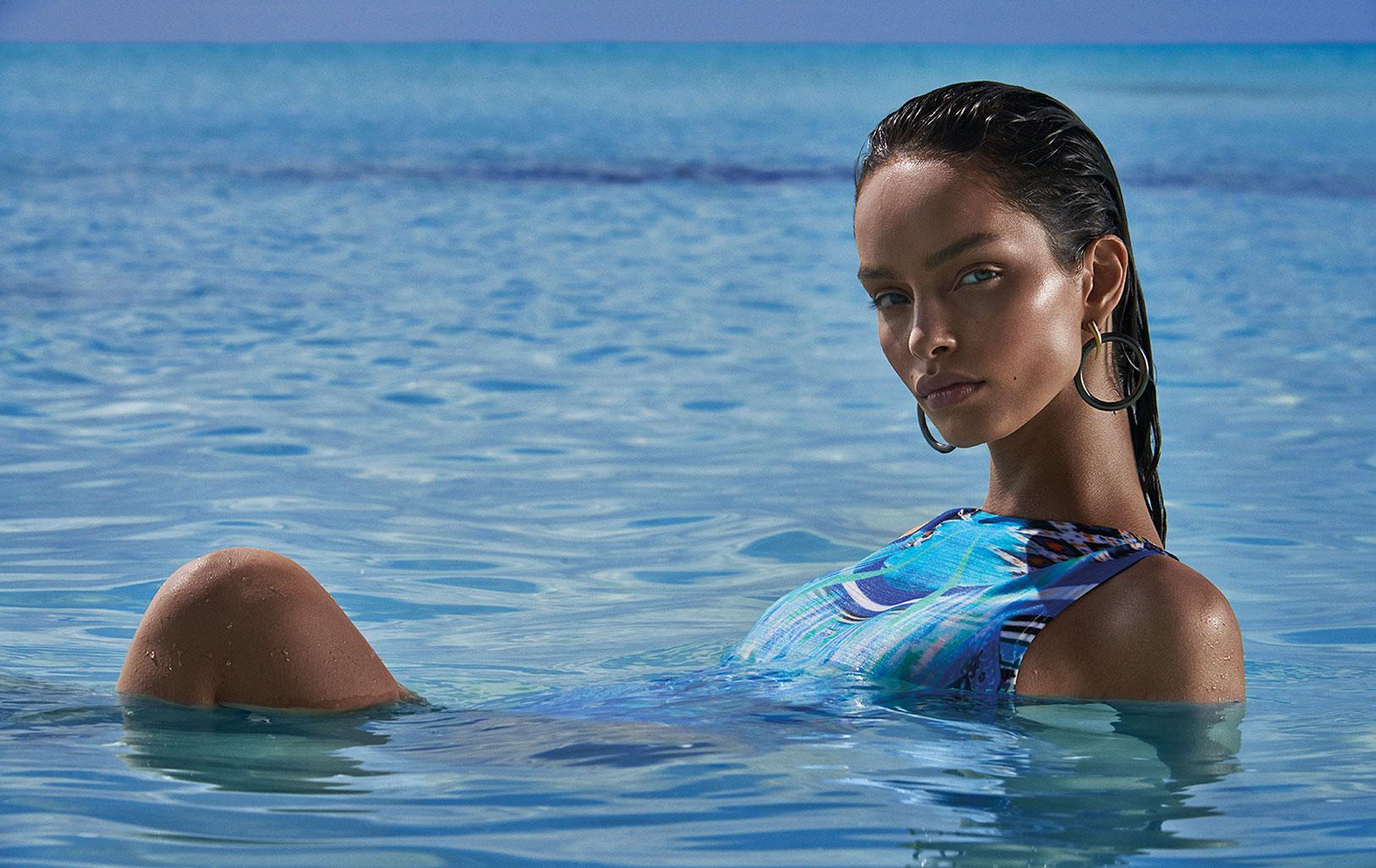 Лума Гроте в купальниках и пляжной одежде модного бренда Cia Maritima / фото 07