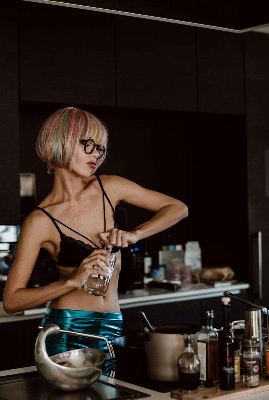 Джин на кухне / Dorka Banki by Monika Leyendecker