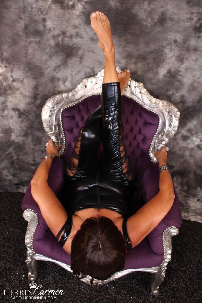 Strict foot mistress-7219