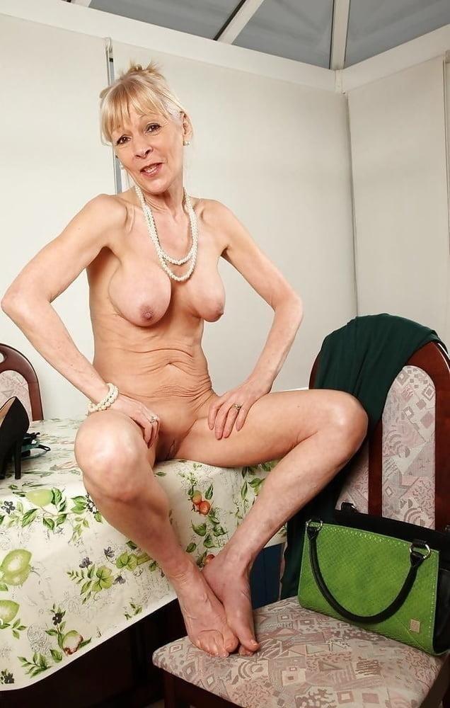 Naked granny porn-4245