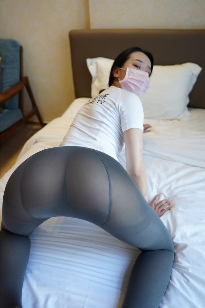 Japanese pantyhose feet-2387