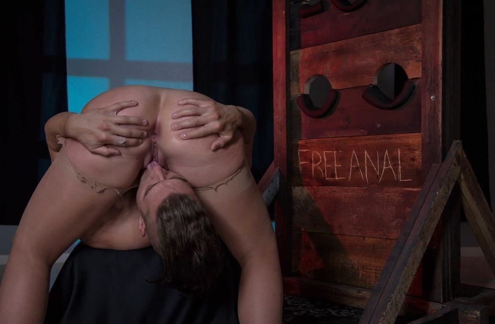 Free hot mom anal-5808