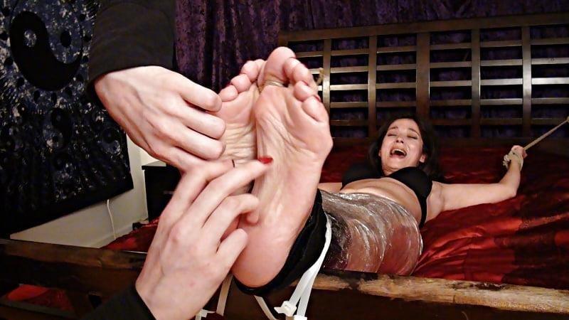 Bondage tickle feet-8238