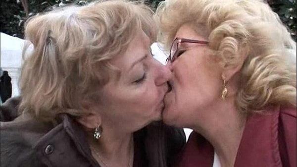 Granny lesbian sex pics-2157