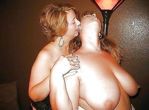 Woman on woman cunnilingus-9491