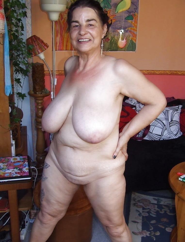 Naked granny porn-2700