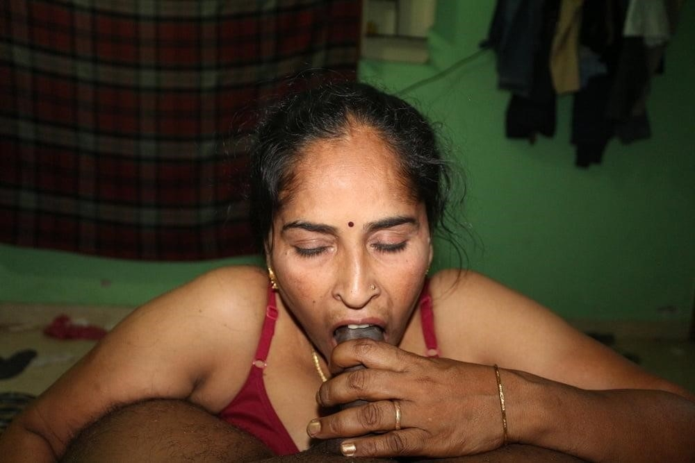 Reshma aunty nude-3806