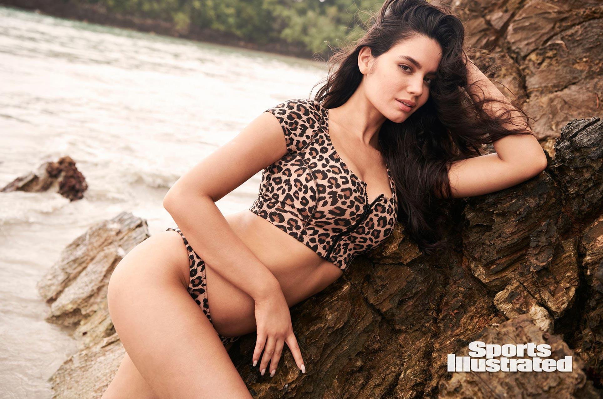 Энн де Паула в каталоге купальников Sports Illustrated Swimsuit 2020 / фото 13