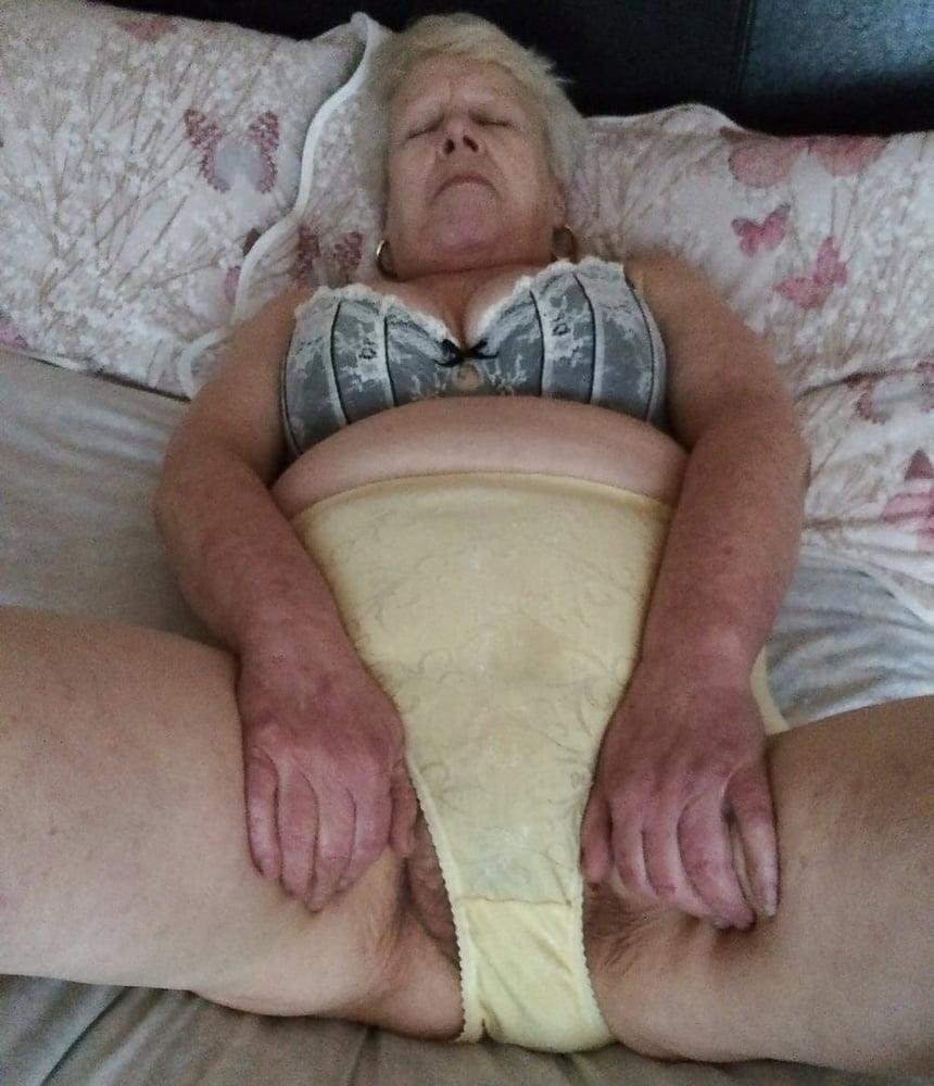 Pics naked grannies-1068