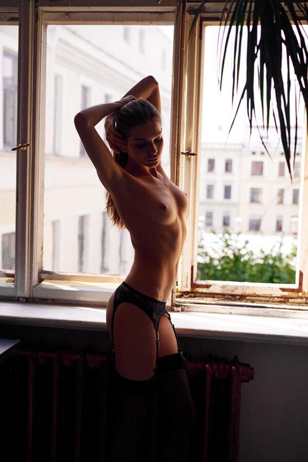 Однажды в Риге - обнаженная Анна Райс, фотограф Симон Болц / фото 02