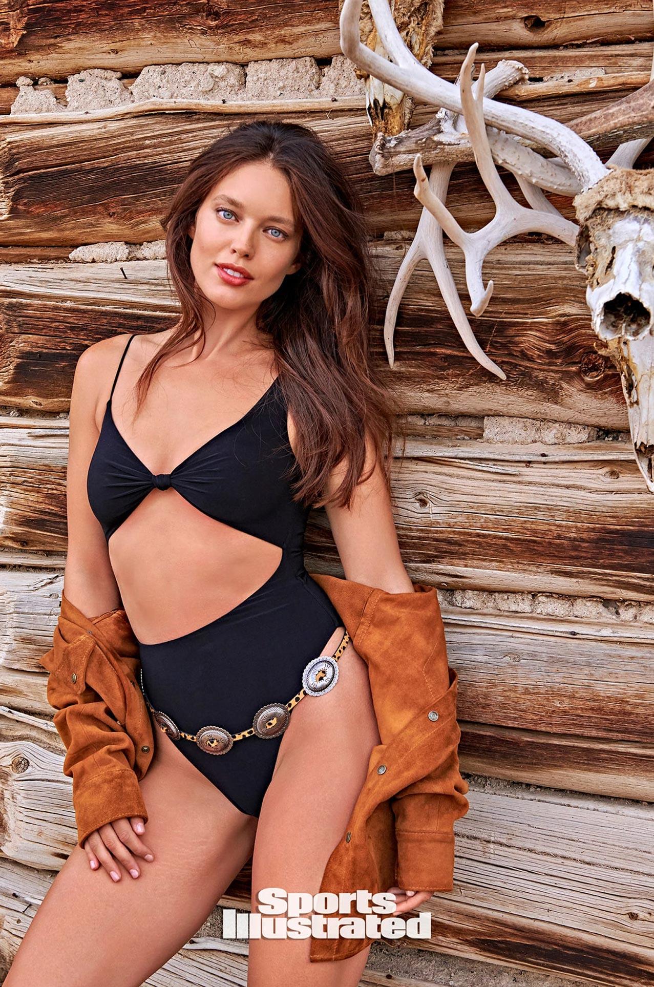 Эмили ДиДонато в каталоге купальников Sports Illustrated Swimsuit 2020 / фото 13