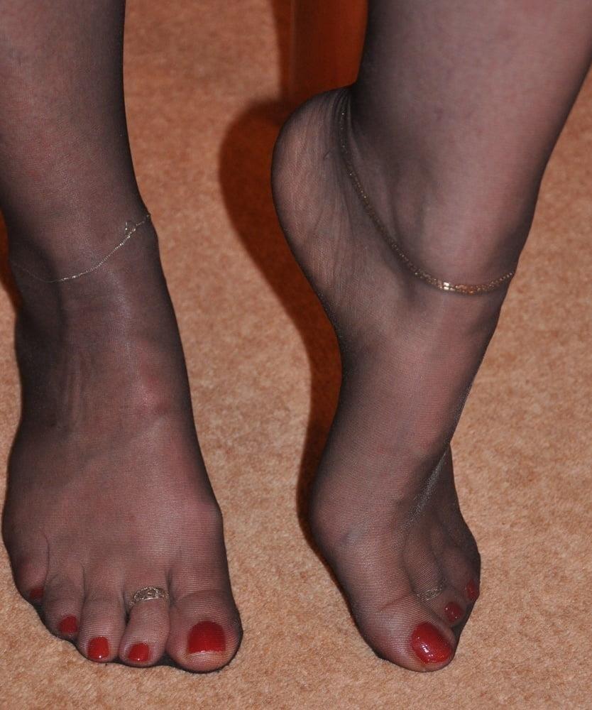 Nylon feet porn hd-3592