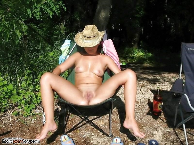 Outdoor nude babe-4253