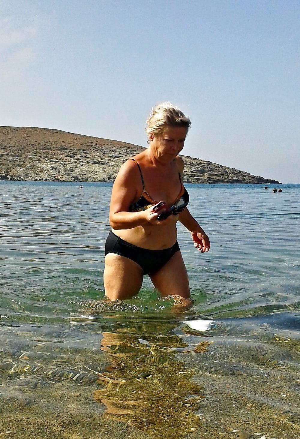 Beautiful mature women in bikinis-1155