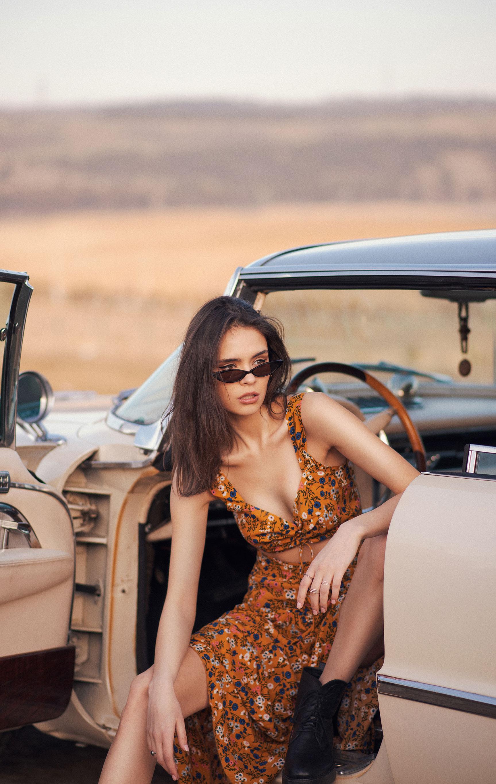 Диана Катова с подругой совершают автопробег по пустыне / фото 02