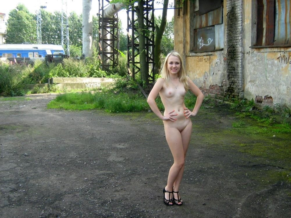 Sexsy naked girls-5361