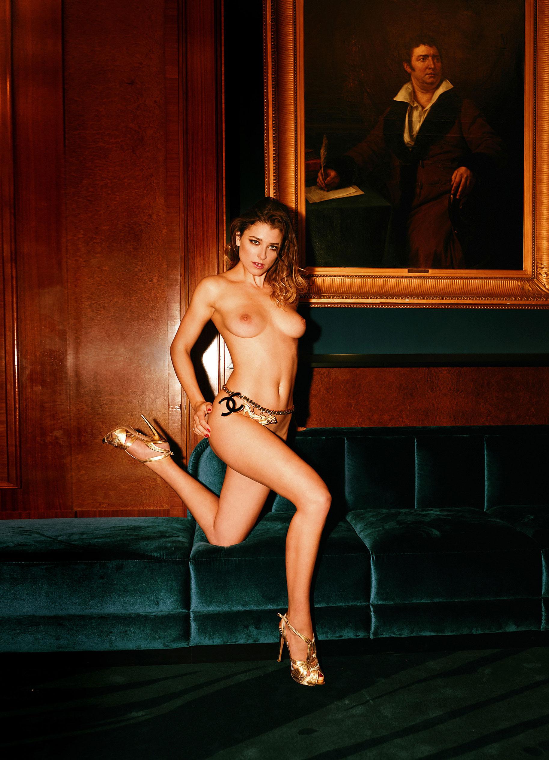 Девушка 2020-го года в Playboy Германия - Стелла Тиана Стегманн / фото 04