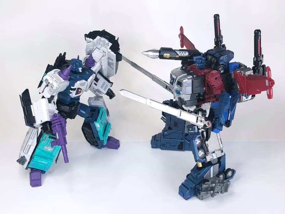 [FansHobby] Produit Tiers - MB-06 Power Baser (aka Powermaster Optimus) + MB-11 God Armour (aka Godbomber) - TF Masterforce - Page 4 OLavyma1_o