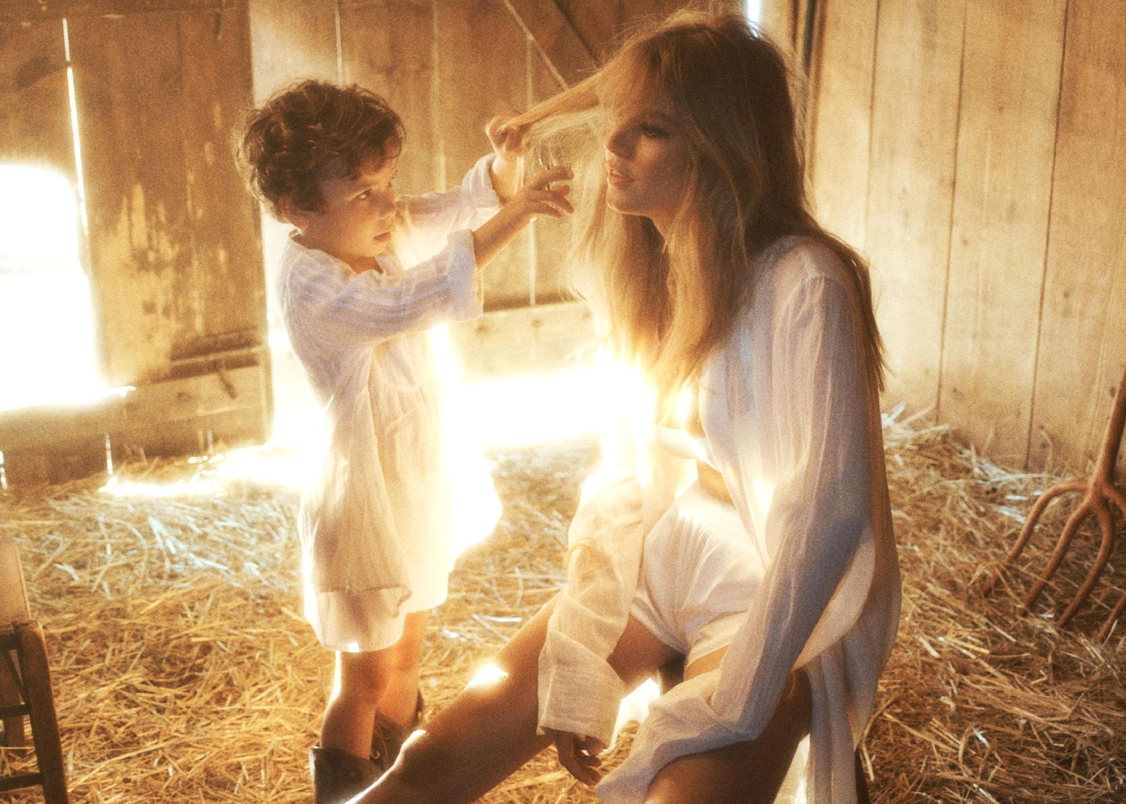 Деревенская идилия / супермодель Анна Юэрс с сыном / фото 19