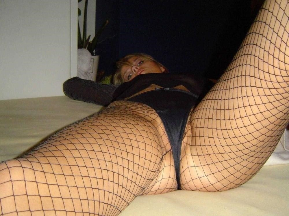 Young blonde milf-7559