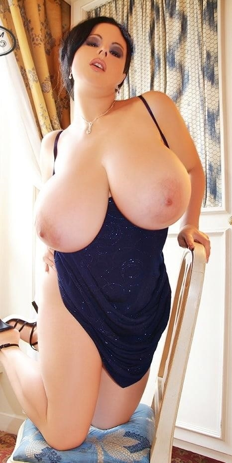 Sucking big sexy boobs-9846