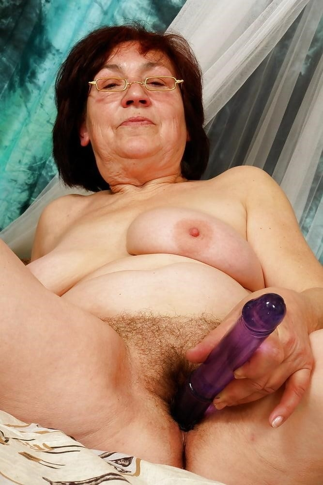Nude grannies with big tits-3827