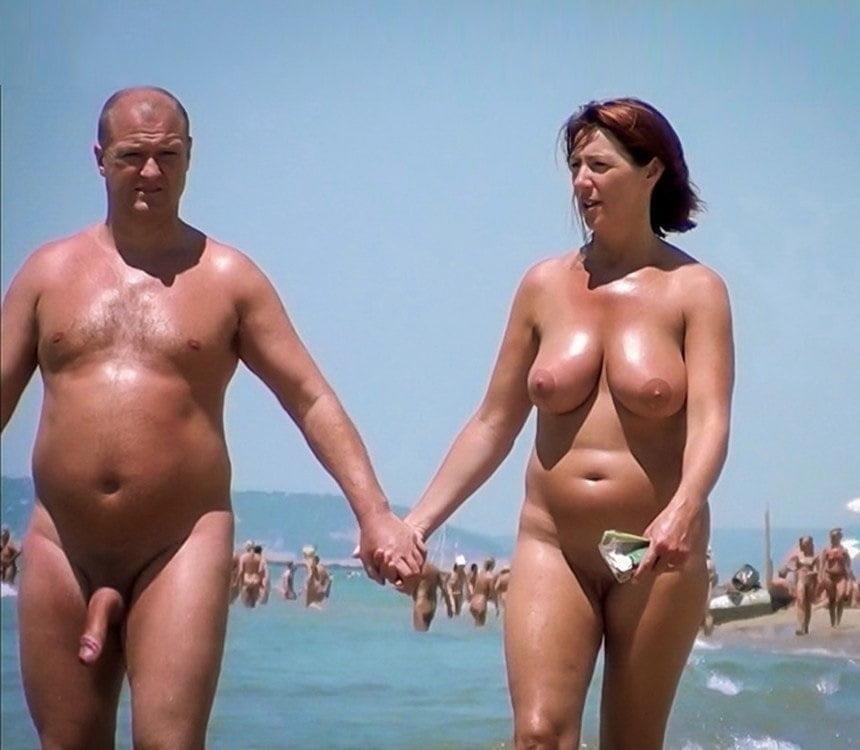 Mature couples copulating-6965