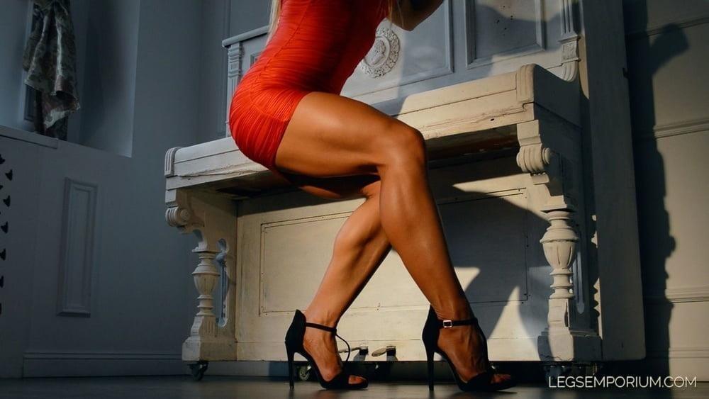 Bodybuilder female clit-9744