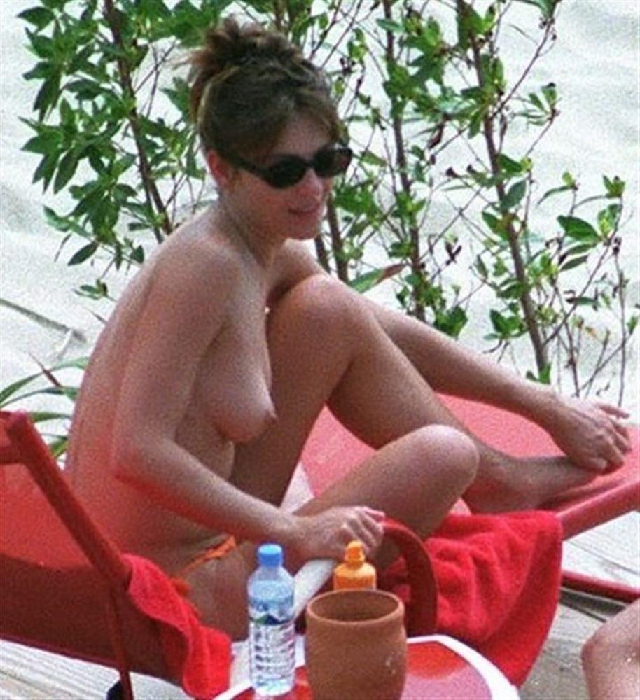 Elizabeth hurley nude pictures-3908
