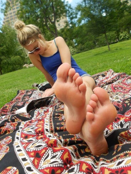 Mom foot fetish-7682