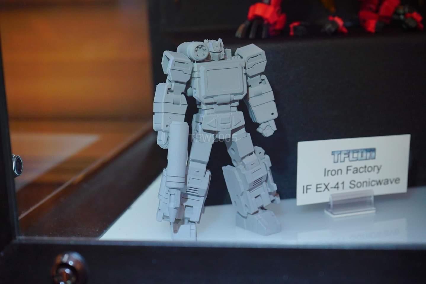 [Iron Factory] Produit Tiers - Jouets TF - de la Gamme IF-EX - des BD TF d'IDW - Page 12 LEp5xnbG_o