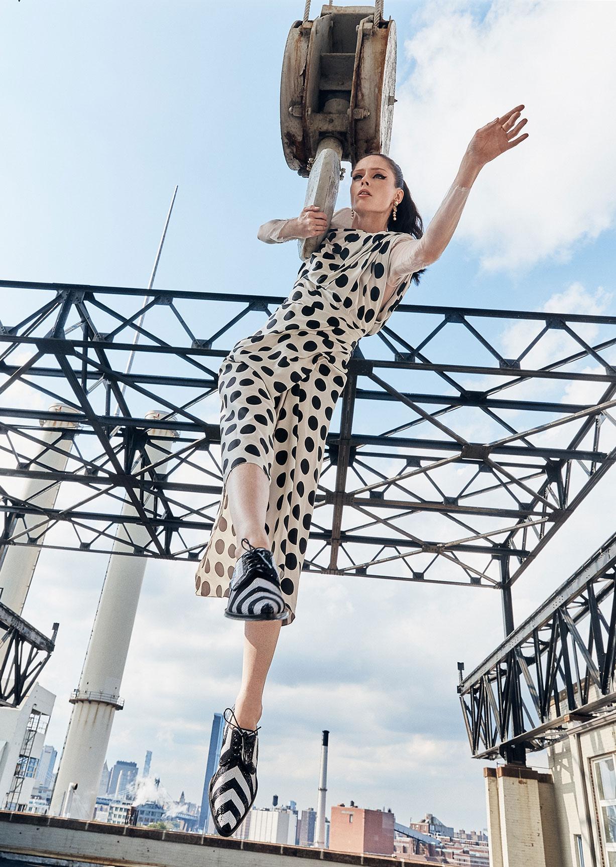 модное дефиле на крыше, модель Коко Роша / фото 03