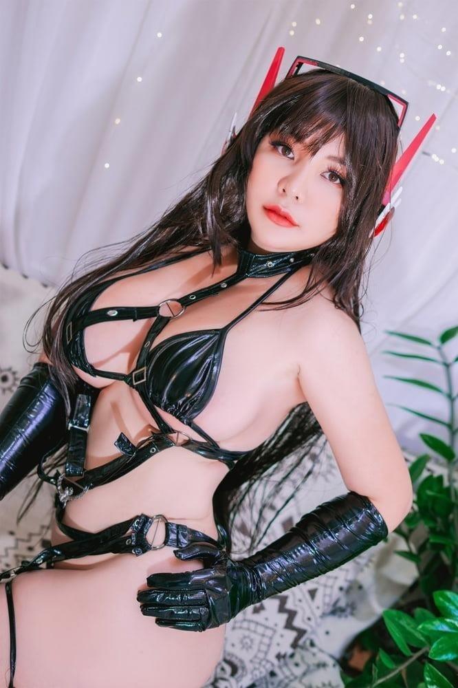 Hentai girl big boobs-6070