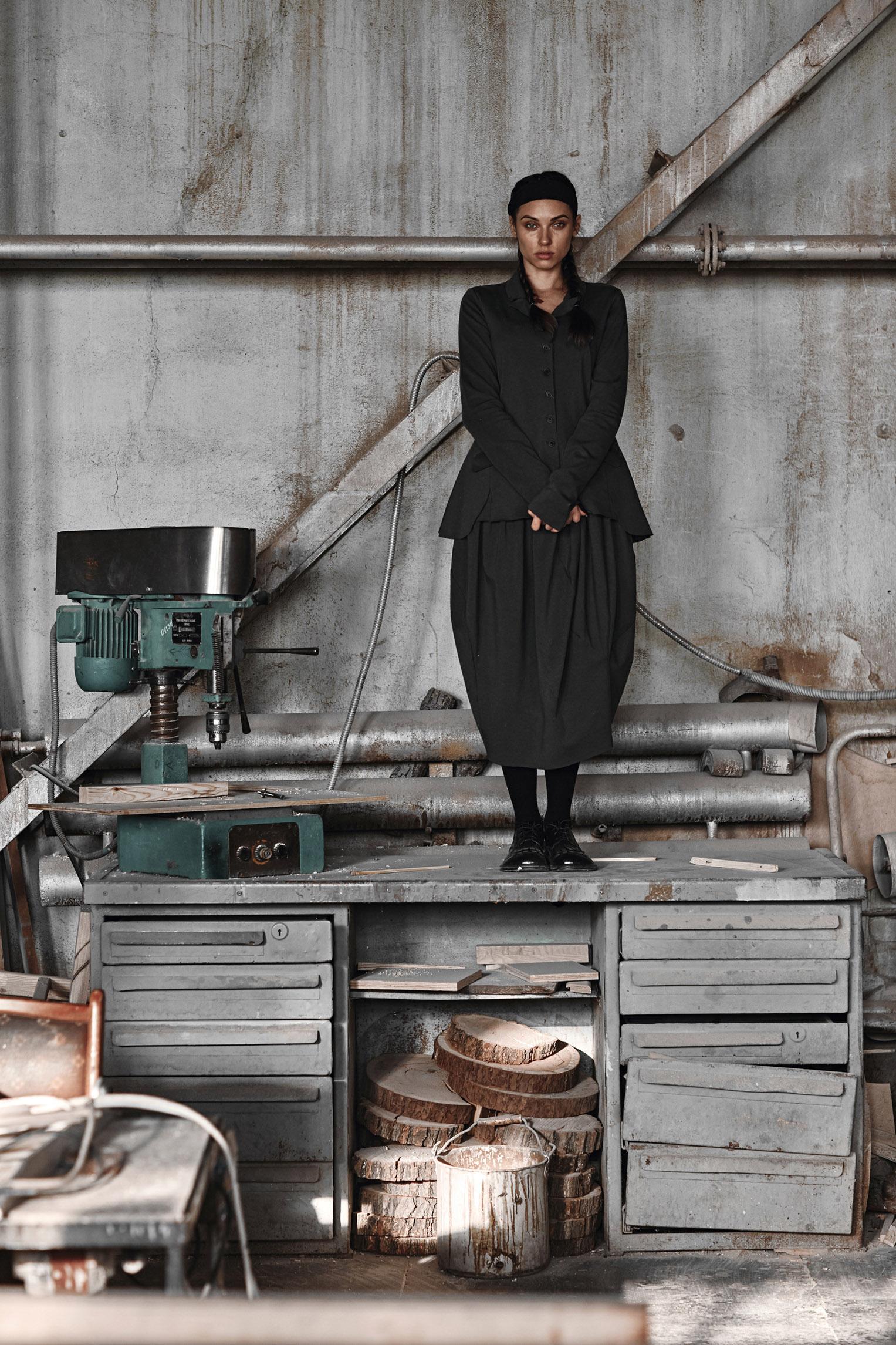 Девушки, работающие на заводе / Hunky by Igor Novikov