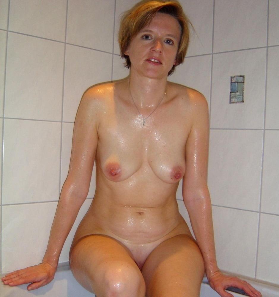 Free pics naked mature women-6442