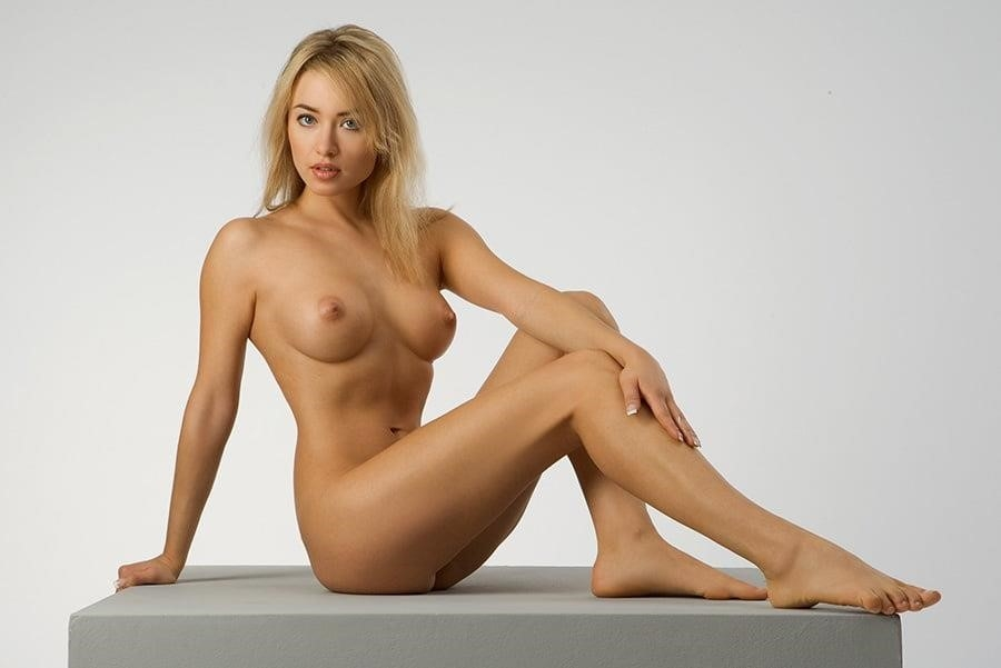Female Anatomy For Artist