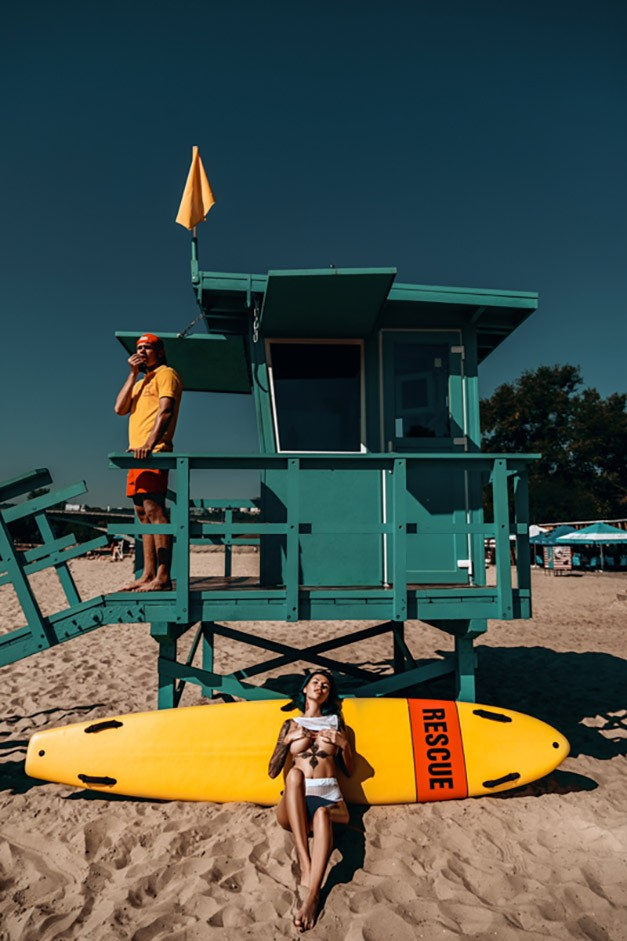 on the beach / Lady Vamp by Anton Sofiychenko